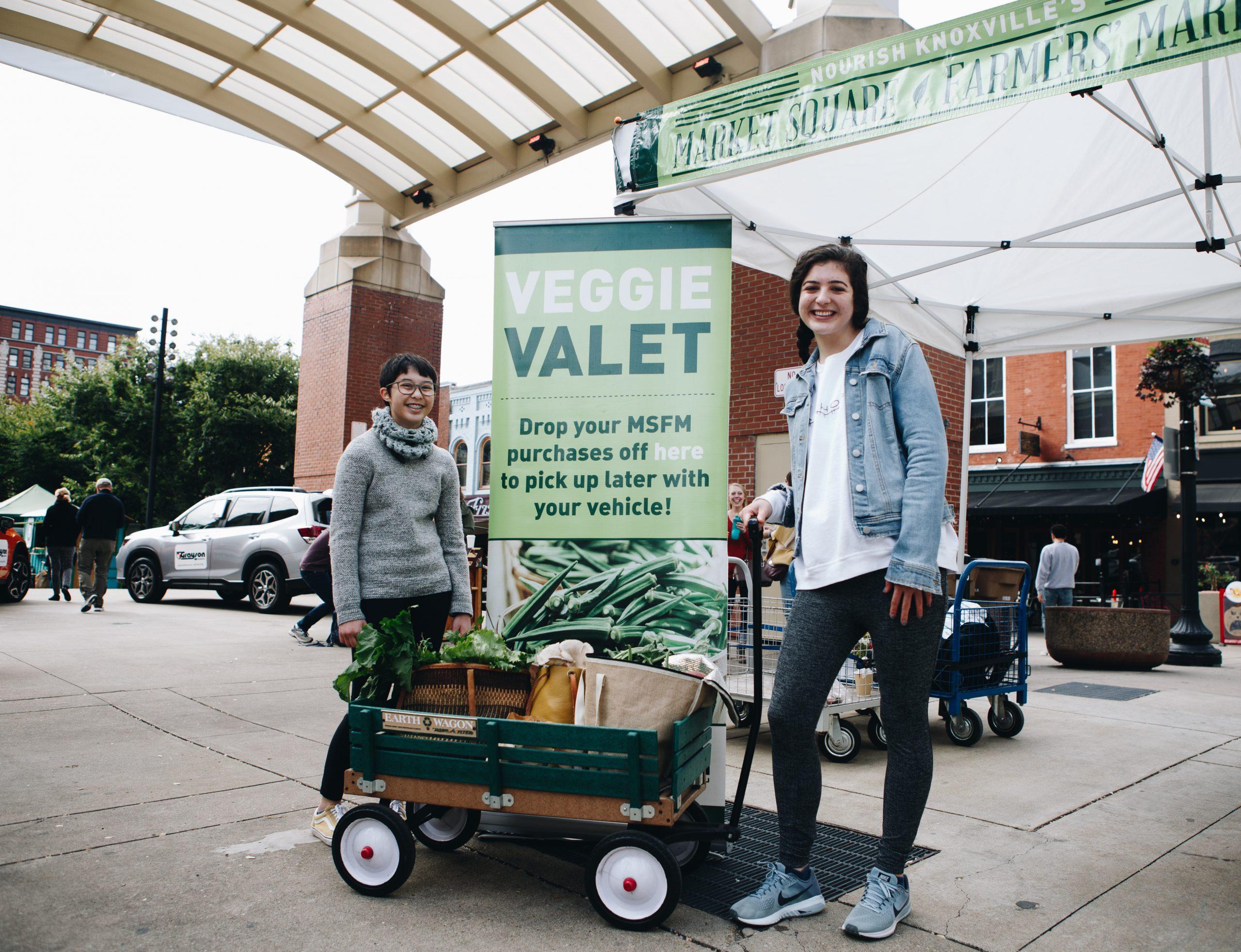 veggie-valet-tent-with-volunteers